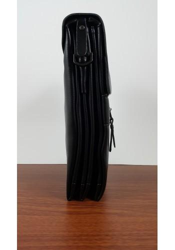 S 6001-2 Мъжка чанта от естествена кожа изчистен модел за през рамо с метална плочка