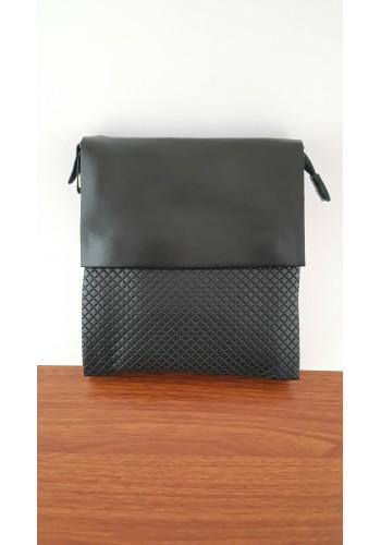 S 6001-14 Мъжка чанта от естествена кожа изчистен модел с вафлен ефект за през рамо