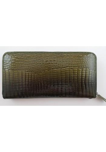 SAE 84 - Дамски портфейл от лакирана естествена кожа в зелено и затваряне с цип