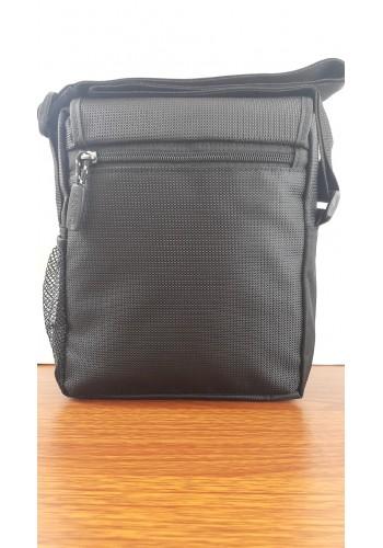 S 0483 Мъжка текстилна чанта за през рамо от импрегниран плат в черно - универсална