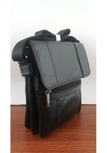 S 105 Мъжка чанта от естествена телешка кожа за през рамо в черно