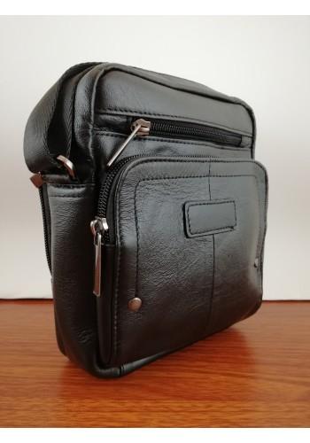 S 3072 Мъжка чанта от естествена телешка кожа изчистен модел за през рамо в черно