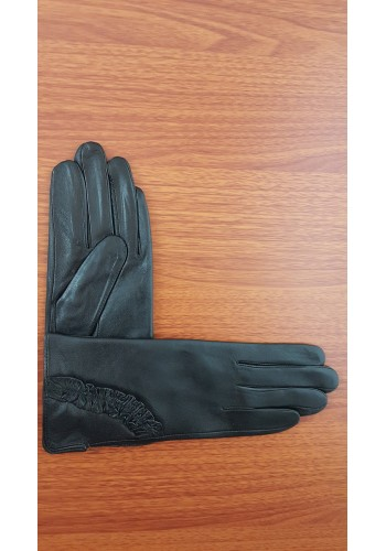 S 006 - Дамски ръкавици от естествена кожа в черно