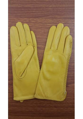 S 042 - Дамски ръкавици от естествена кожа в жълто